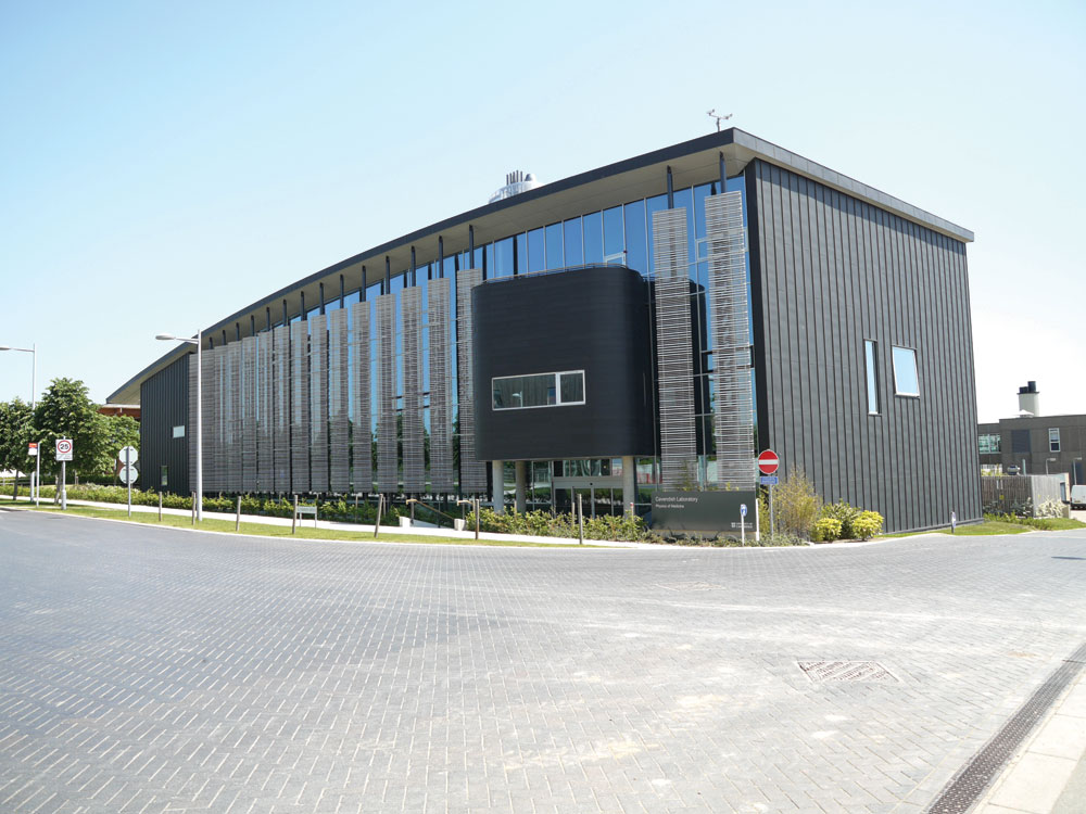 What are sips and how do they provide the optimum fabric for Sips buildings