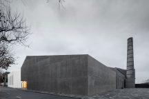 Arquipelago - Contemporary Arts Center by Menos é Mais. Photo by José Campos